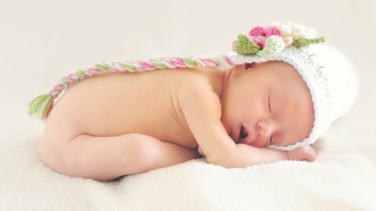 寝ている赤ちゃんのイメージ画像