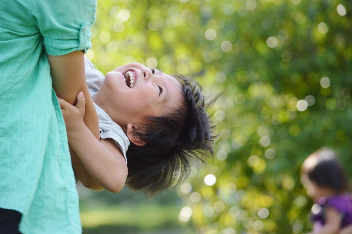 子供の笑顔のイメージ画像
