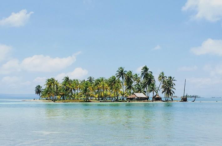 旅行、南の島のイメージ画像