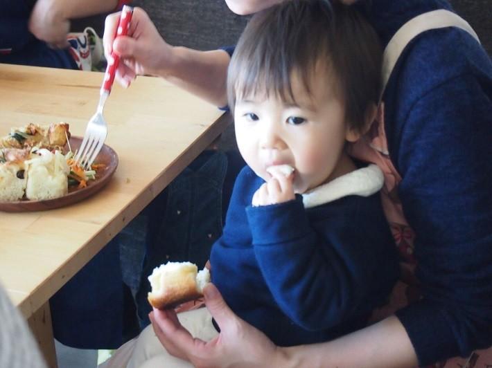 Mama Cafe子連れパン教室の様子