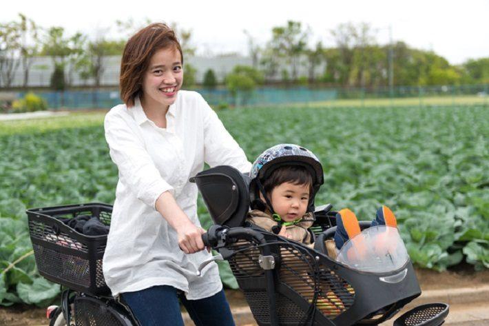 ママと子供と自転車のイメージ画像
