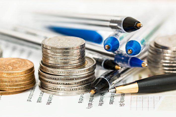 お金と硬貨のイメージ画像