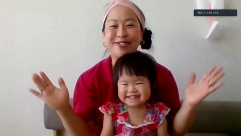 【無料・オンライン】11/18(水)15:00〜笑顔いっぱいのふれあい遊び~ミュージック・ケアで遊ぼう!+ママのための交通ルール&マナークイズタイム付き