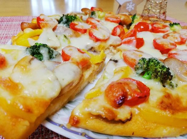 小麦粉・卵 不使用!子どもと一緒に作れる米粉でふっくら簡単ピザ